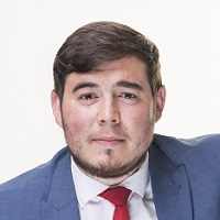 Alex Aparo Headshot Sept 2018 website
