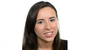Cassie Pay headshot website