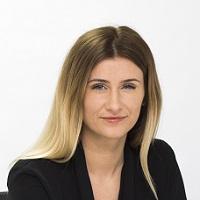 Emma Alexander Headshot Dec 2016 website